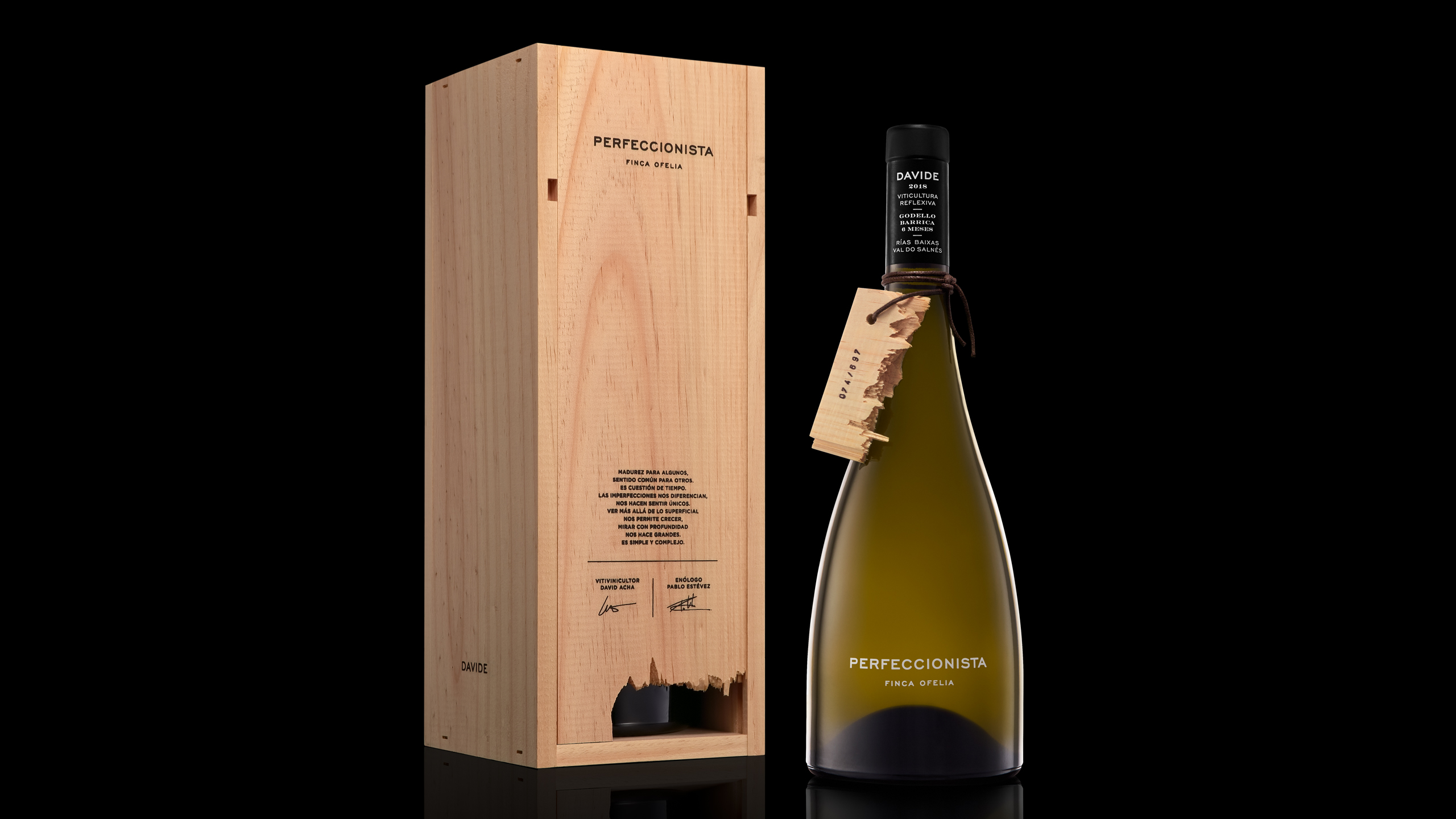 Packaging del vino Perfeccionista, de Bodegas Davide. Galicia.
